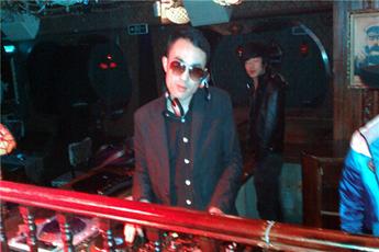 魔声就业学员DJ汪洋夜店打碟图片