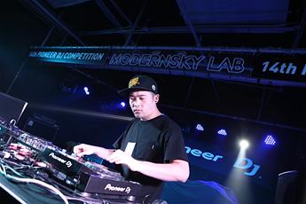 第十四届先锋DJ大赛搓盘组冠军DJ Wing