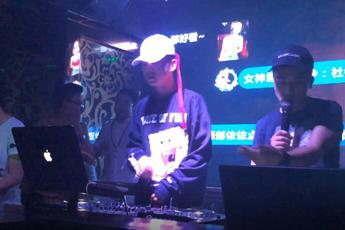 魔声就业DJ学员胡斌激情百度打碟视频