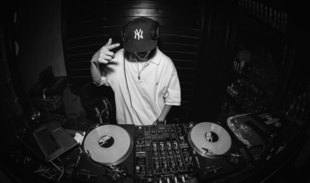 专业学DJ打碟的地方