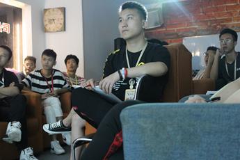 魔声DJ培训学校集体大课学员课堂上的状态
