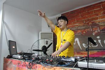 河南焦作DJ学员李志强练习照片
