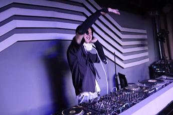 贵州毕节DJ学员史安迪打碟练习照