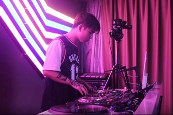 魔声DJ培训学员张鑫打碟练习视频