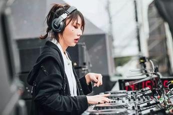 电音节现场网红嘉宾DJ演出MV视频