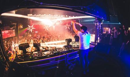 寻找好的DJ学院,为自己的音乐梦想创造路线
