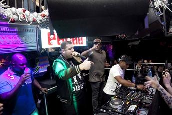 超嗨迈阿密DJ现场视频
